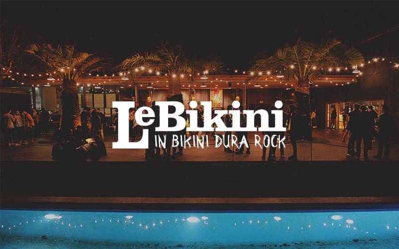 Le bikini - Logo - photo de l'exterieur avec la piscine